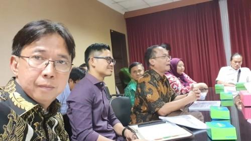 Deputi Pengembangan Regional Kemen-PPN/Bappenas Rudy S Prawiradinata, Stafsus Men-PPN/Bappenas Imron Bulkin, dan Hayu Parasati, saat pertemuan bersama Tim Relawan DKI Lampung, di kantor Bappenas, Jakarta, Senin (23/9/2019). | Ist