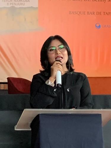 """Vivick Tjangkung Luncurkan Buku """" Melawan Teror Narkoba 8 Penjuru"""""""