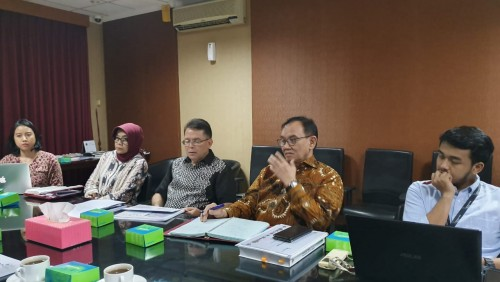 Suasana saat Tim Relawan DKI Lampung memaparkan kajian DKI Lampung di hadapan Deputi Pengembangan Regional Bappenas Rudy S Prawiradinata, Stafsus Menteri PPN/Kepala Bappenas Imron Bulkin, dan Sekretaris Tim Kajian IKN Hayu Parasati, di Bappenas, Jakarta,